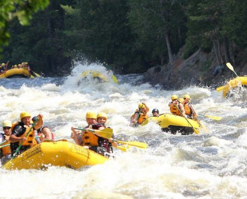Rafting-the-Kennebec-River-Credit-Northern-Outdoors-Adventure-Resort4-1-e1468867585888